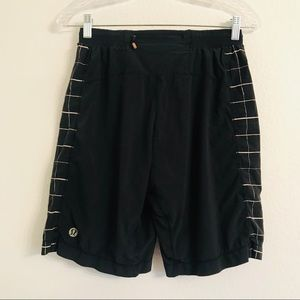 Lululemon mens black white athletic shorts small